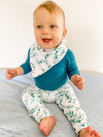 Green leaves matching pant set: Babies