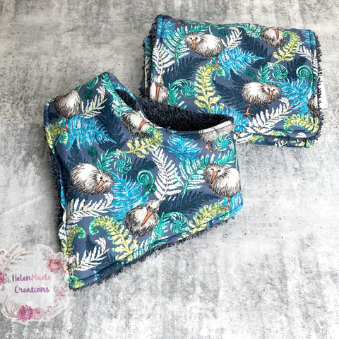 Kiwi ferns - bib and burp cloth set