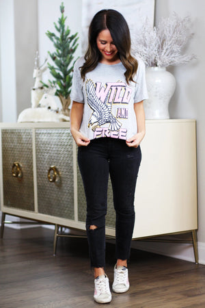 wild and free graphic tee concert outfit