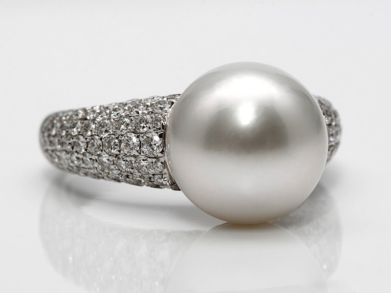 Lustrous South Sea Pearl Pave Diamond Ring