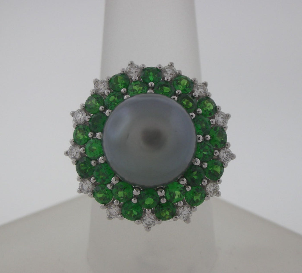 Extraordinary Black Pearl and Tsavorite Ring