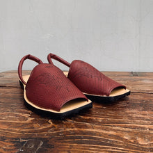 Load image into Gallery viewer, The Gladiator Maroon.