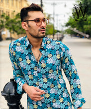 Load image into Gallery viewer, Green Floral Shirt.