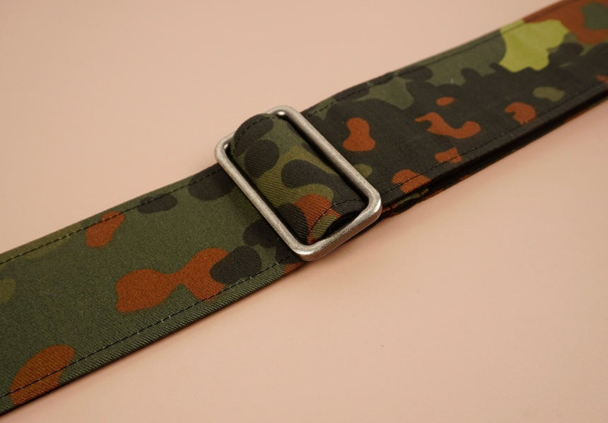 guitar strap with camouflage-1 printed-detail