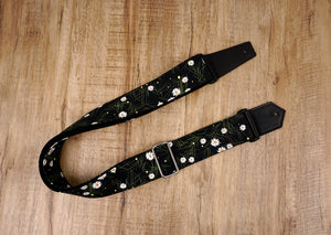 White Daisy guitar strap with leather ends-2