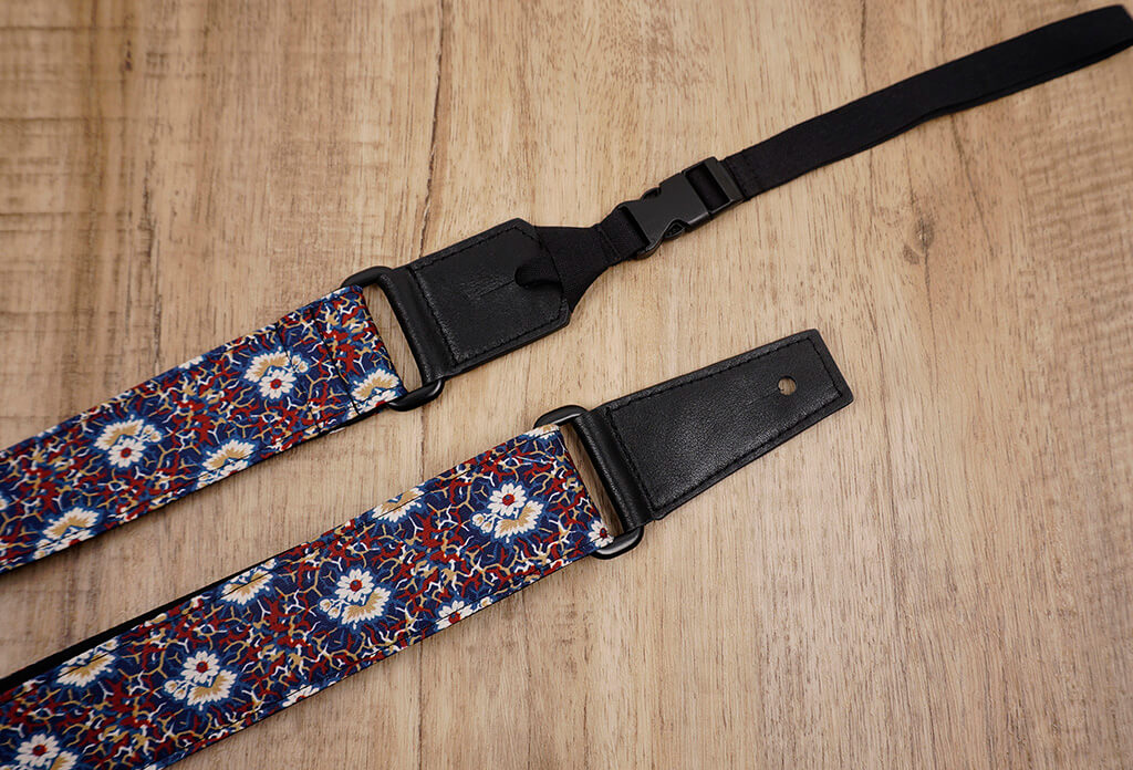 Thorn Daisy ukulele shoulder strap with leather ends-3