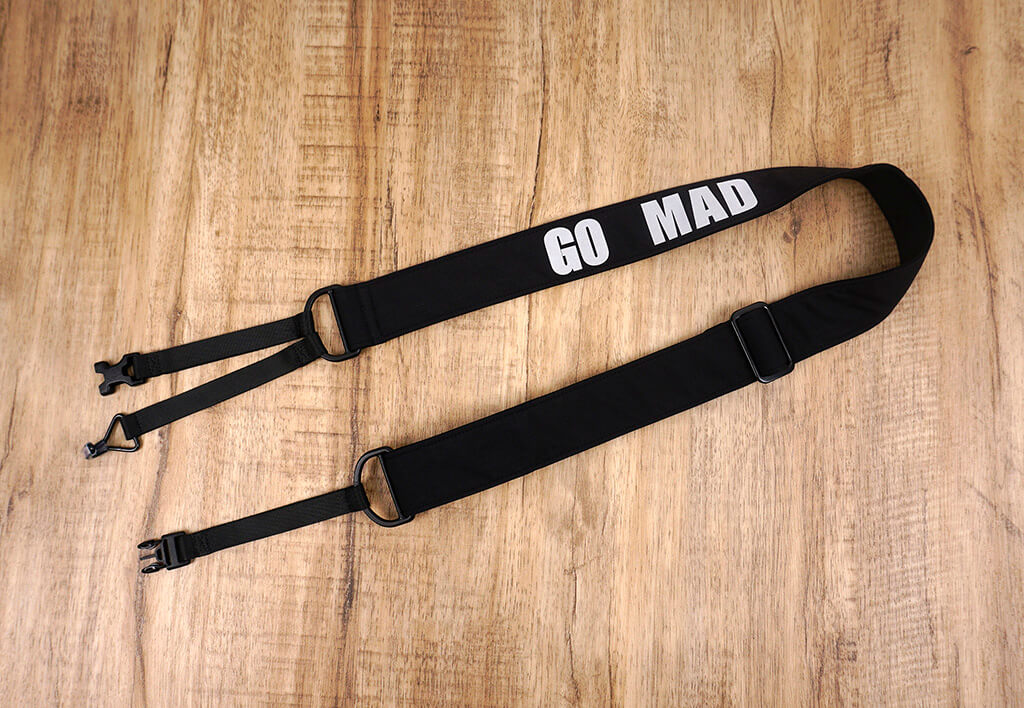 go mad black clip on ukulele hook strap-2