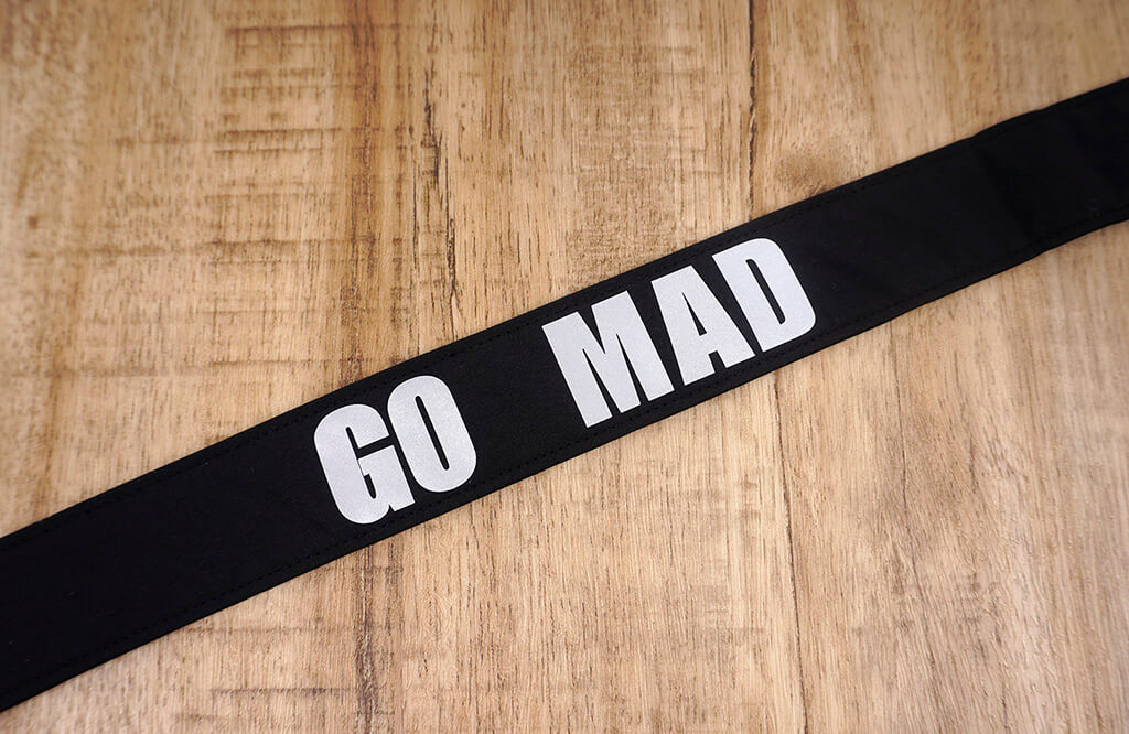 go mad black clip on ukulele hook strap-4