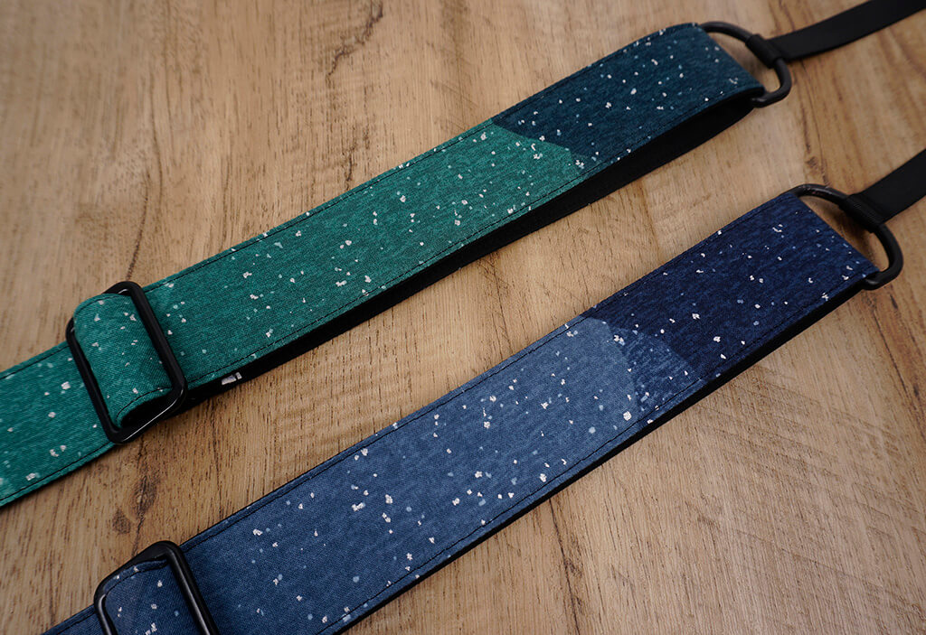 snow in mount ukulele strap with hook