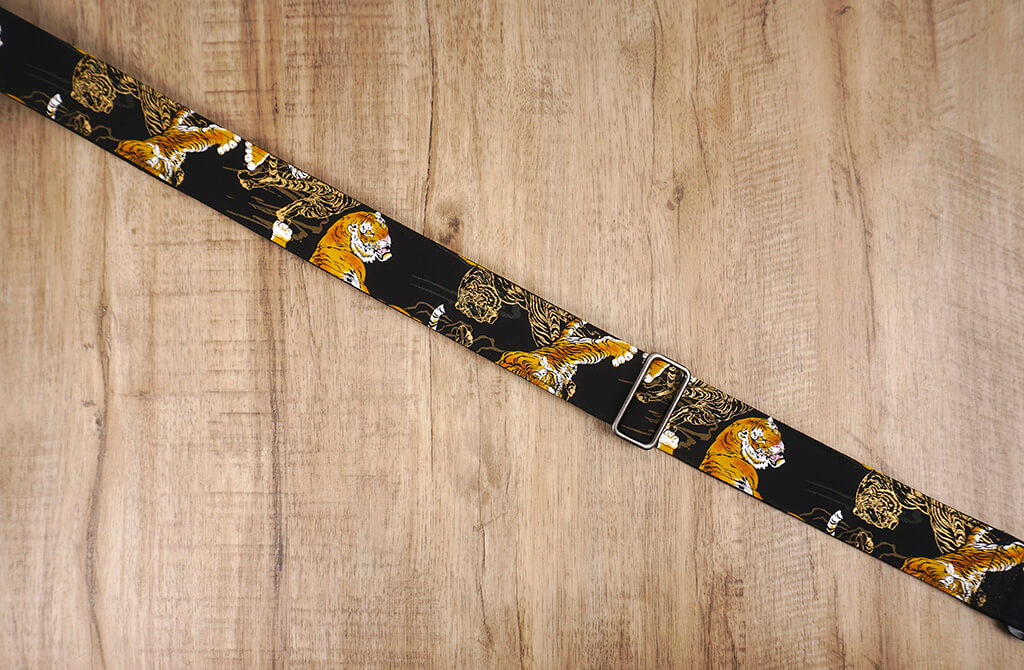 tiger guitar strap with leather ends-5