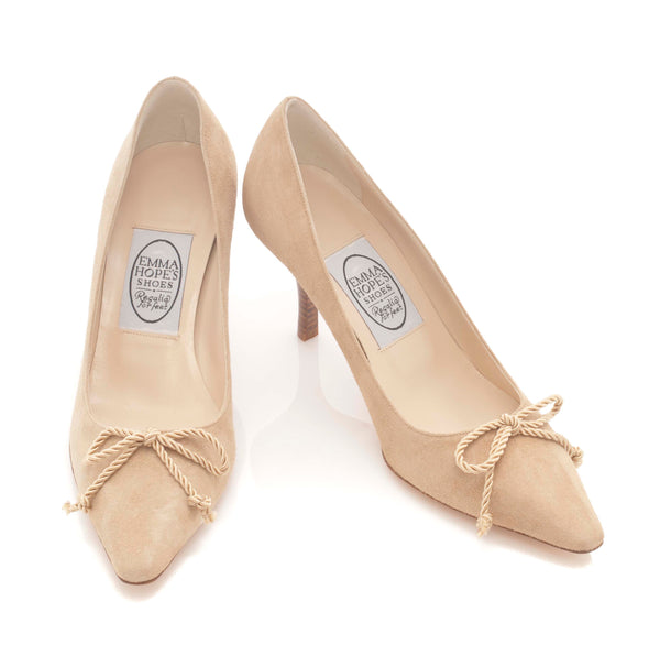 Suede Court with Tassel Bow in Camel
