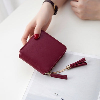 Short wallet female
