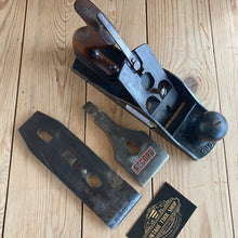 Load image into Gallery viewer, Vintage RECORD England No.4 1/2 rosewood handles plane T3034