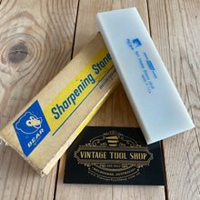 Load image into Gallery viewer, Vintage NORTON hard translucent ARKANSAS Jewellers natural sharpening STONE A41