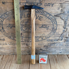 Load image into Gallery viewer, Vintage tiny JAPANESE JOINERS HAMMER T5457