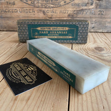 Load image into Gallery viewer, Antique NORTON PIKE HARD TRANSLUCENT ARKANSAS natural sharpening stone A7