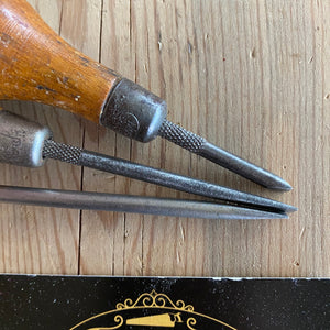 Vintage set of 3 x MOORE & WRIGHT England SMALL  SCREWDRIVERS T10027