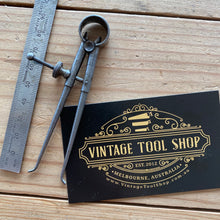 Load image into Gallery viewer, Vintage mini Moore & Wright England CALIPERS DIVIDERS T7415