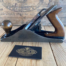 Load image into Gallery viewer, Vintage STANLEY England No.4 1/2 smoothing PLANE T5621