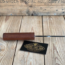Load image into Gallery viewer, Vintage H.TAYLOR England GOUGE Carving CHISEL T7777