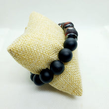 Load image into Gallery viewer, Onyx and Rondelle Stretch Bracelet