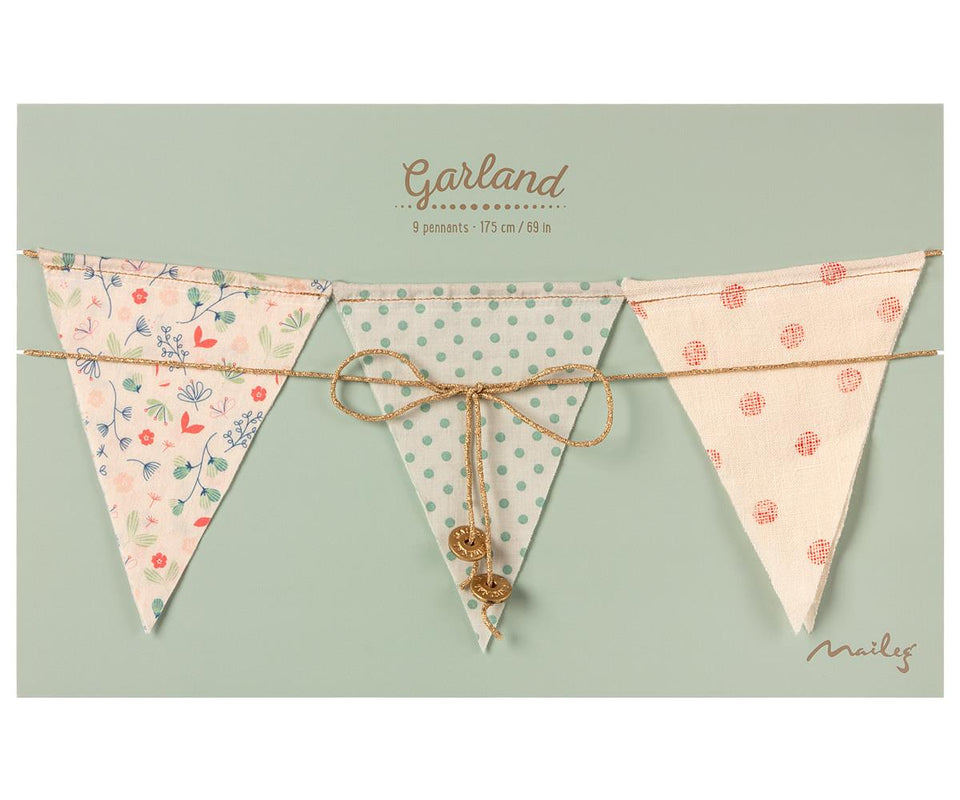 Garland 9 flags Dusty rose