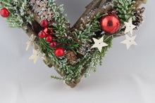 Load image into Gallery viewer, Berry & Twig Heart Wreath