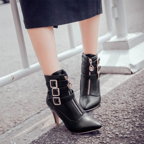 Chiczz Pointed Belt Buckle Roman Boots