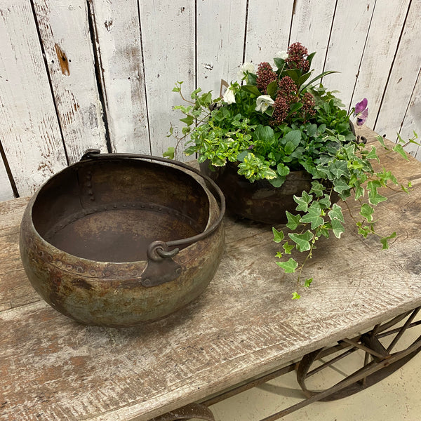 VINTAGE RIVETED INDIAN WATER POT PLANTER | Ø33CM | HANDLE