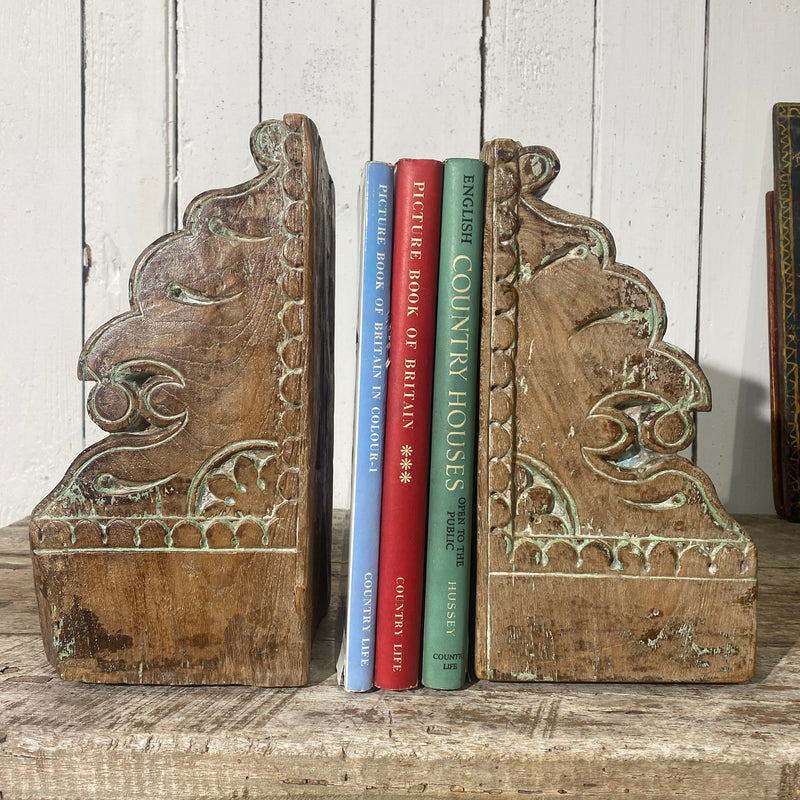 PAIR OF ANTIQUE HAND CARVED CORBELS BOOKENDS