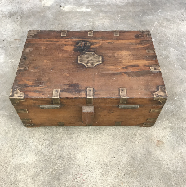 ANTIQUE INDIAN BOX WITH BRASS DETAILS