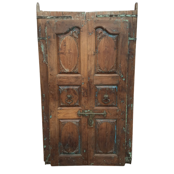 Vintage Indian carved doors (H200cm | W120cm)