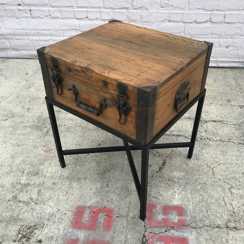 VINTAGE PINE CHEST ON STAND (W50CM | H61CM)
