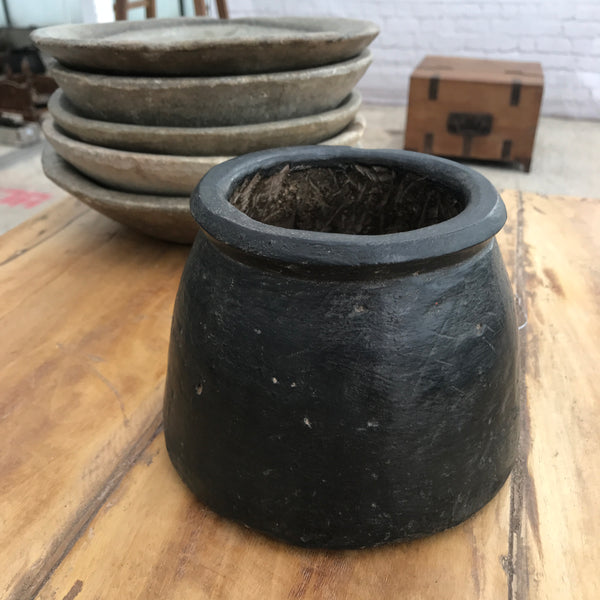 VINTAGE INDIAN EARTHWARE BLACK POT | Ø16CM