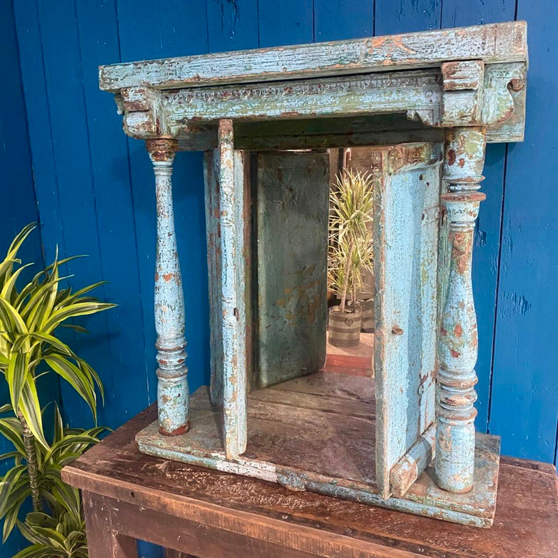 Vintage Indian hindu home altar shrine • Blue turquoise