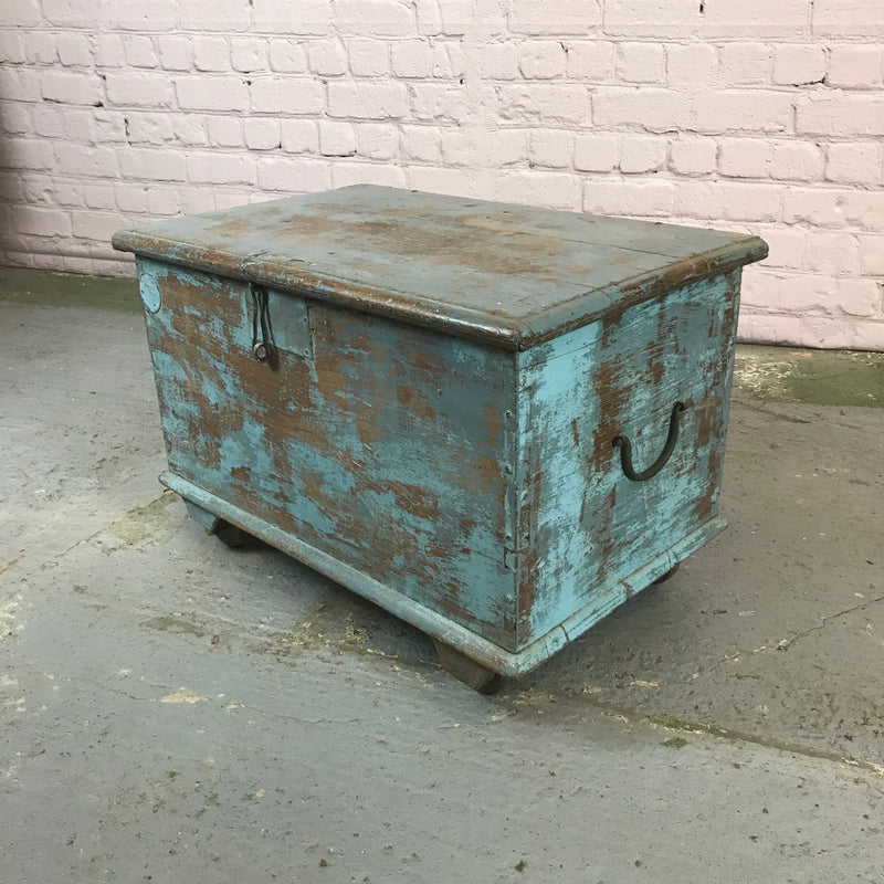 Vintage Indian blue painted teak chest on wheels (W68cm | H44cm)