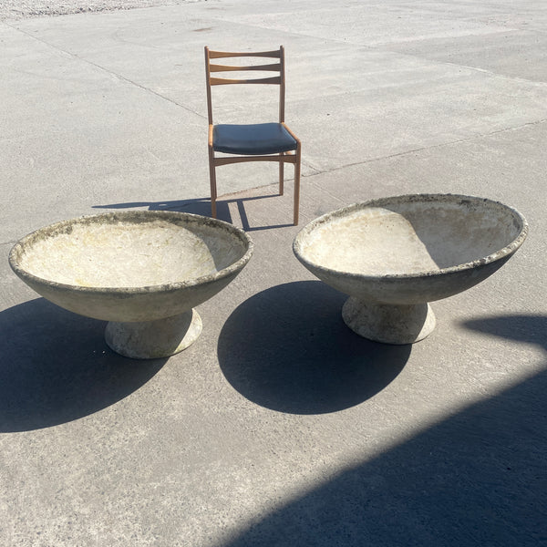 Pair of Iconic Mid Century Willy Guhl Saucer Planters on Stands