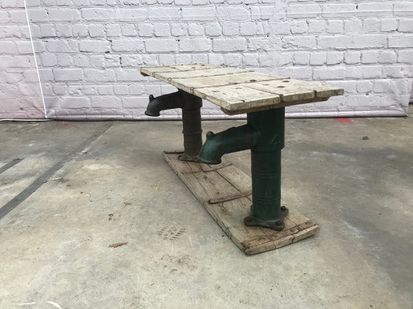 Reclaimed industrial wood bench with pipe legs | 33000 (W)