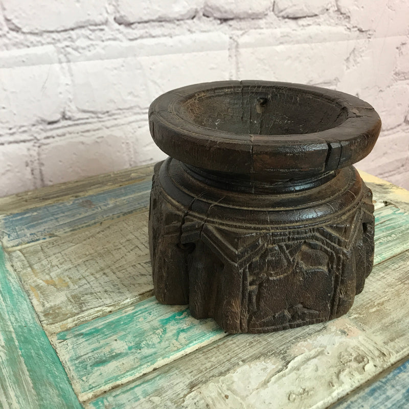 ANTIQUE INDIAN CARVED SEEDER CANDLE HOLDER • Ø17CM