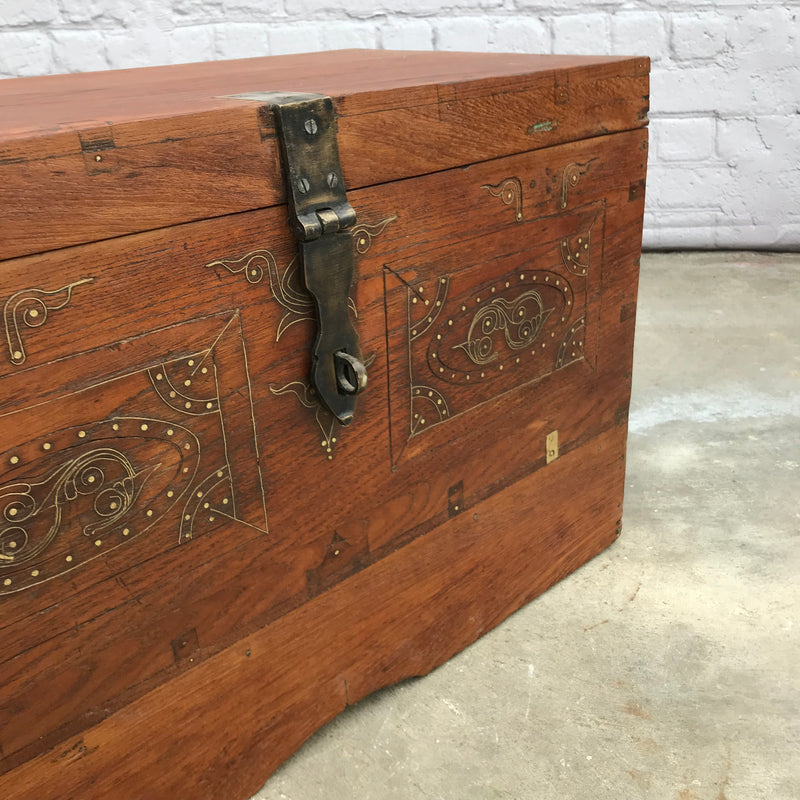 ANTIQUE INDIAN DOWRY CHEST WITH BRASS INLAY