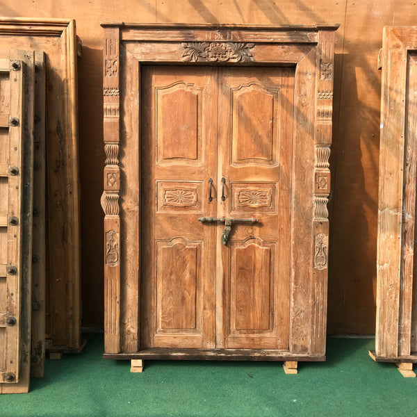 Antique Indian Mansion Doors in Carved Columns Frames (H208cm | W143cm)