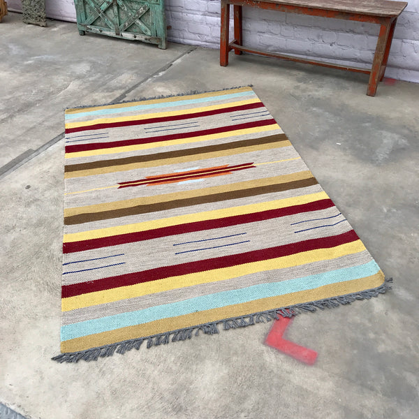 Hand crafted Indian rug (180cm x 120cm)