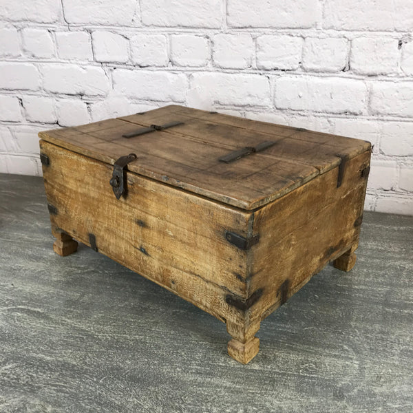 Vintage rustic Indian decorative box good for bits and bobs | 45263