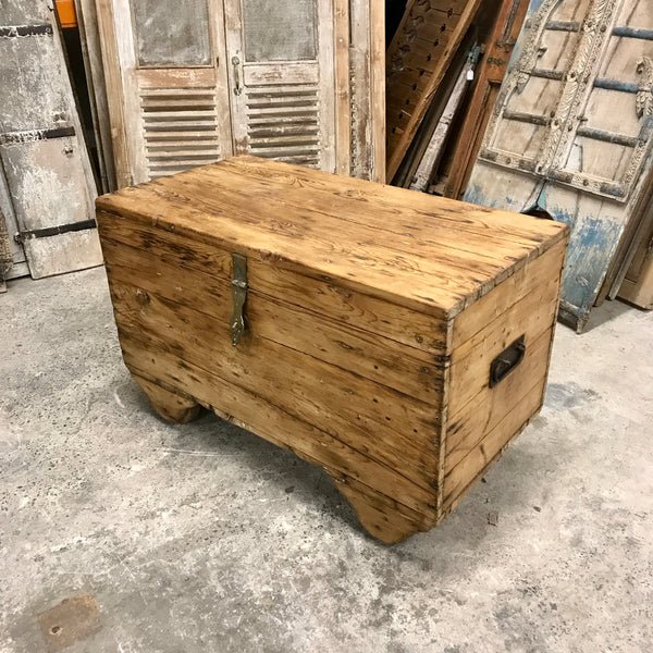 VINTAGE INDIAN PINE STORAGE CHEST