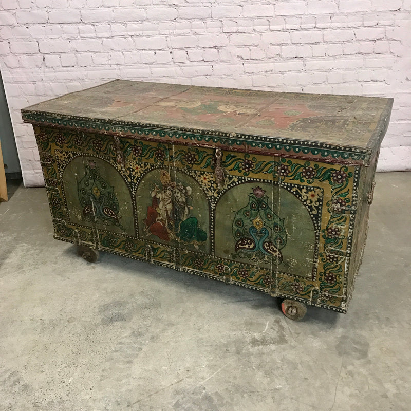 XXL Vintage hand painted merchants chest