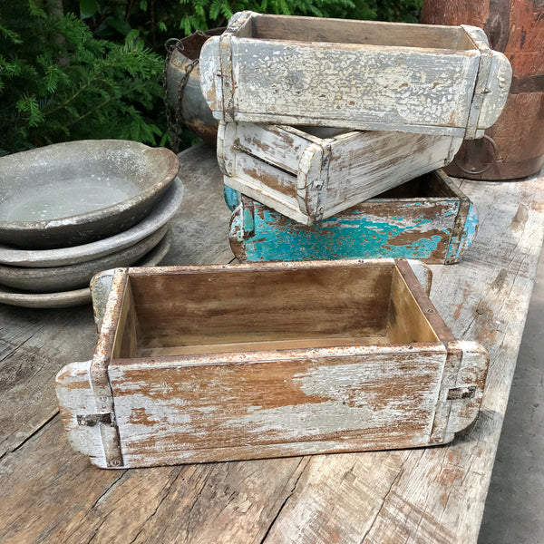 Reclaimed rustic painted Indian single brick mould
