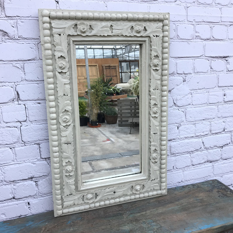 VINTAGE CARVED WHITE PAINTED WALL MIRROR WITH FLORAL PATTERN | 45911b
