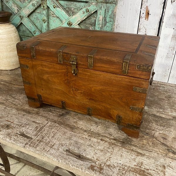 ANTIQUE INDIAN TEAK WOOD DOWRY CHEST JEWELLERY BOX
