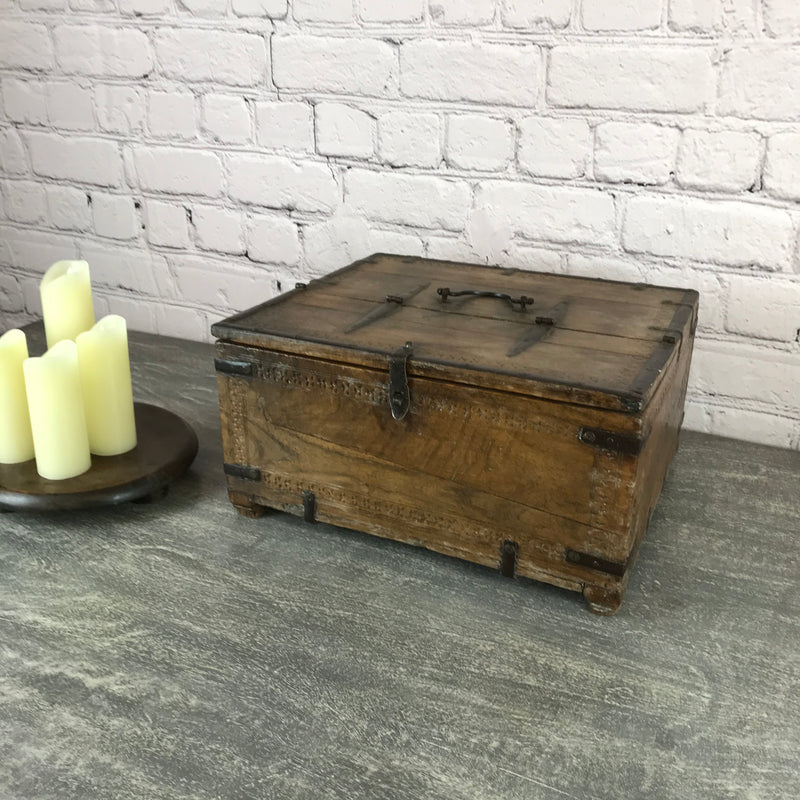 Rustic wooden decorative Indian box ideal for small items | 46260