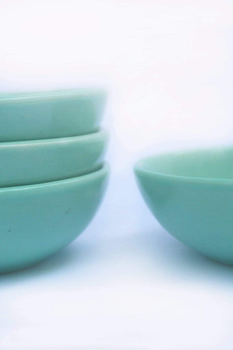 A Set Of 4 Ceramic Round Palette In Mint Shade And Handcrafted Design